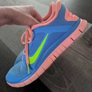 Nikes size 10